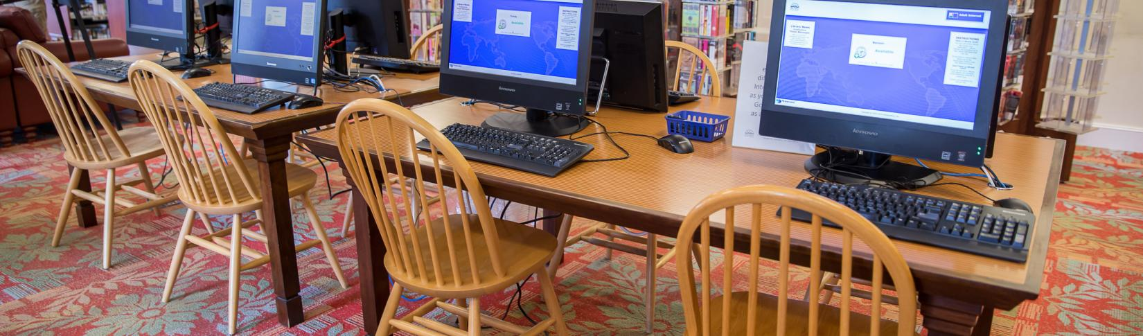Port Hope Public Library computer workstations